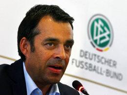 Robin Dutt verspricht den deutschen Auswahlmannschaften Titel.
