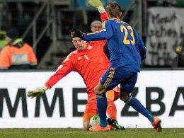 Manuel Neuer gegen Baurzhan Dzholchiev