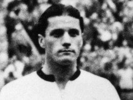 Ottmar Walter vor dem legendären WM-Finale 1954 von Bern.