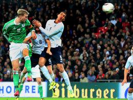 19. November 2013, Wembley: Per Mertesacker köpft Deutschland zum 1:0-Sieg in England.