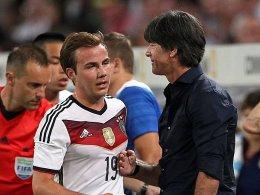 Mario Götze und Bundestrainer Joachim Löw