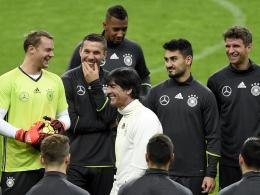 Mit zwei Heim-Länderspielen wird sich die deutsche Nationalmannschaft auf die Fußball-EM in Frankreich einstimmen.