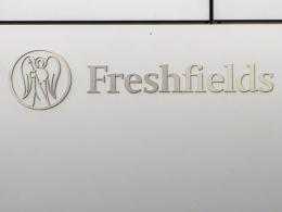 Die Kanzlei Freshfields Bruckhaus Deringer ermittelt im Fall der Vergabe der WM 2006.