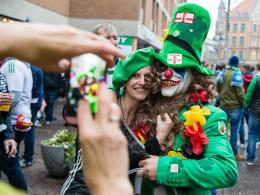 Bilder: Deutschland siegt, Laola rollt, Nordiren singen