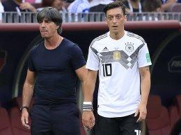 Erstmals seit 2010: Löw setzt Özil auf die Bank!