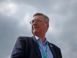 Grindel kritisiert sich, Bierhoff und Slogan