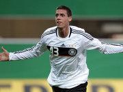 Sandro Wagner freut sich über das 1:0.