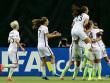 Die USA-Spielerinnen feiern.