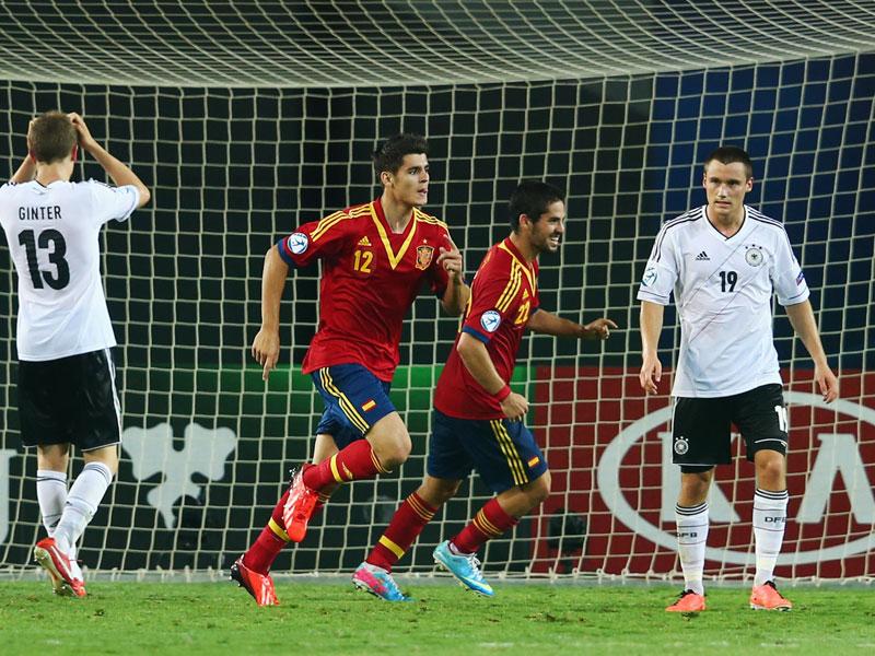 Deutschland triumphiert gegen Spanien im 12. Duell