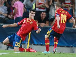 Alvaro Morata (li.) bejubelt seinen Siegtreffer gegen Deutschland.