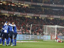 Portos zweiter Streich: Jackson nutzte einen Fehler von Benfica-Schlussmann Artur Moraes.