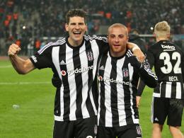 Derbysieger: Gomez sticht Podolski aus