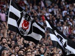 Stadt Istanbul hebt Fansperre auf