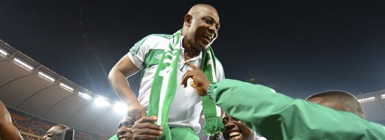 Dem angekündigten Abschied im Moment des Triumphes folgte der Rücktritt vom Rücktritt: Nigerias Nationaltrainer Stephen Keshi bleibt.