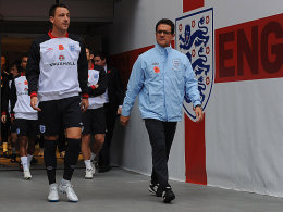 John Terry und Trainer Fabio Capello (r.)