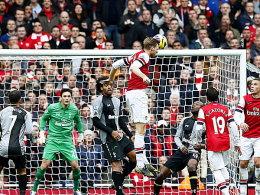 Derbysieger Arsenal, Spitzenreiter ManCity