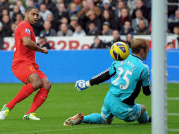 Glen Johnson gegen Gerhard Tremmel