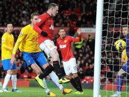 Das 2:1 für ManUnited: Wayne Rooney netzt ein.