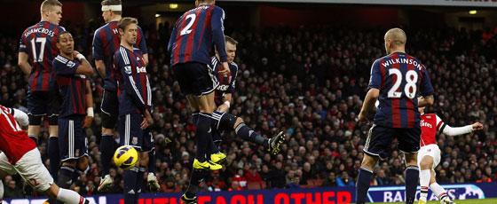 Lukas Podolski trifft zum 1:0