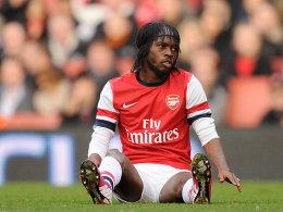 Am Boden: Arsenal und Gervinho bleiben wohl auch 2013 ohne Titel.