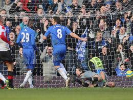 Frank Lampard dreht nach seinem 3:0 gegen Drittligist Brentford jubelnd ab.