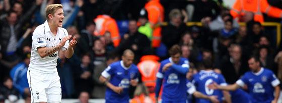 Everton hat getroffen, Lewis Holtby feuert die Kollegen an