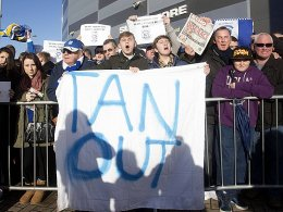 Es kam anders: Die Fans protestierten am Boxing Day vergeblich.