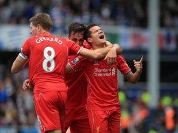 Liverpools Philippe Coutinho (r.) feiert in der Schlussminute sein 2:1