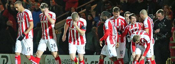 Stoke City, mit Wollscheid und Arnautovic, setzte sich mühelos in Rochedale durch.