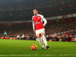 Arsenal kann gegen Chelsea auf �zil bauen