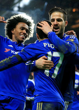 Party in blau: Willian, Pedro und Cesc Fabregas (v.li.).