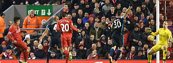 Alles klar: Reds bejubeln das 3:0 von Roberto Firmino.
