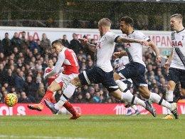 Nahm erfolgreich Maß: Alexis Sanchez rettete mit seinem 2:2 einen Punkt für Arsenal.