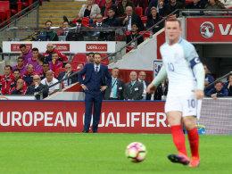 Bestätigt: Kapitän Rooney muss in Slowenien auf die Bank