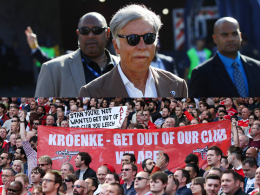 Fans entsetzt: Kroenke übernimmt Arsenal komplett
