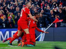 Liverpool siegt mit dunklem Schatten - Wahnsinn in Swansea