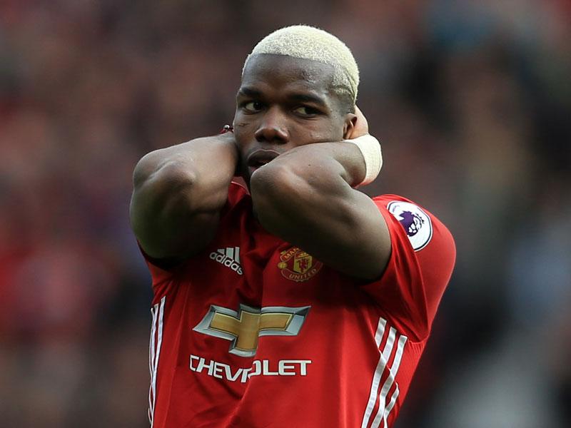 Manchester-United-Star gönnt sich Banane bei Europa-League-Partie