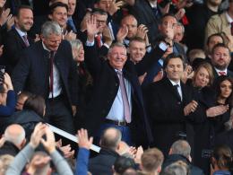 Standing Ovations: Old Trafford begrüßt Sir Alex zurück