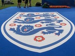 Schere, Stein, Papier statt Münzwurf: FA sperrt Referee