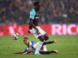 Obiangs krummes Ding - Huddersfield geschlagen
