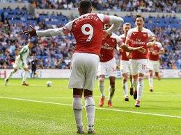 Arsenal ringt mit Özil Cardiff spät nieder