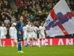 Wembley erhebt sich für Rooney - England siegt klar