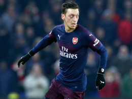 Aubameyang trifft und vergibt - Özil früh ausgewechselt