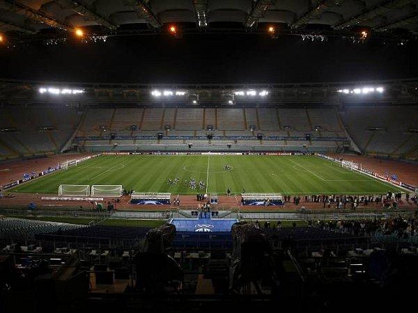 Viele leere Plätze im Olimpico: Das Ticket-System ist in Italien aber auch verdammt kompliziert.
