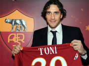 Fußball, Serie A: Luca Toni wurde am Samstag beim AS Rom offiziell vorgestellt.