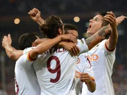 Zwei Treffer von Osvaldo brachten die Roma in Genua auf die Siegerstraße.