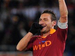 Hat noch immer den Torriecher: Totti machte für die Roma das 2:1 und 3:1.