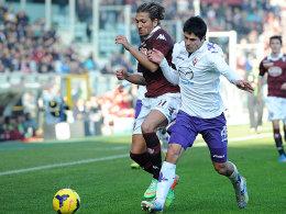 Turins Cerci im Zweikampf mit Roncaglia (re.)