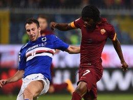 Am Ende ohne Torerfolg: Romas Gervinho (gegen Sampdorias Vasco Regini).