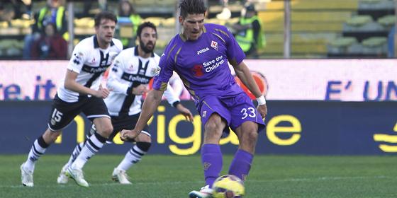Mario Gomez vergab in Parma zwei Großchancen - eine davon vom Elfmeterpunkt.